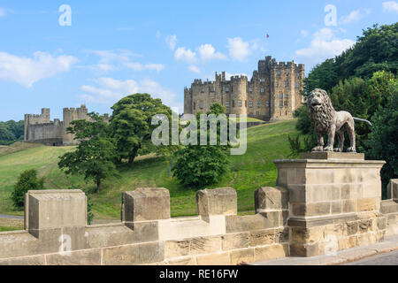 Alnwick Castle from The Peth bridge, Alnwick, Northumberland, England, United Kingdom - Stock Image