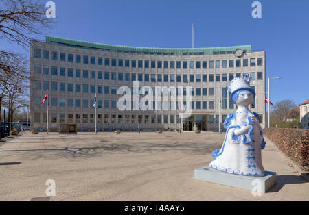 The Aunt Ella figure by Bjørn Wiinblad in front of the town hall of Lyngby-Taarbæk municipality in Kongens Lyngby, Denmark, a suburb to Copenhagen - Stock Image
