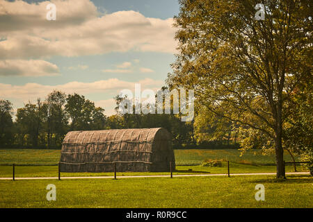 The Longhouse. A recreated Native American Longhouse at the Hans Herr House, a museum in Willow Street, Lancaster County, Pennsylvania, USA - Stock Image