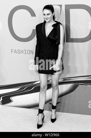 New York, NY - June 03, 2019: Shailene Woodley attends 2019 CFDA Fashion Awards at Brooklyn Museum - Stock Image