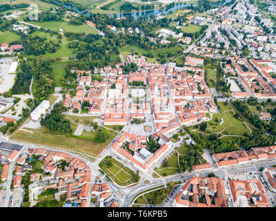 Hexagon of Karlovac city center, inside six-pointed star-shaped Renaissance fortress built against Ottomans, Croatia. Regular orthogonal planning. - Stock Image