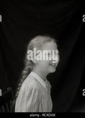 1950s, historical, teenage girl with plattered hair, England, UK - Stock Image