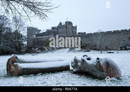 View of Cahir Castle from Inch field on a snowy winter morning. Cahir, Tipperary, Ireland - Stock Image