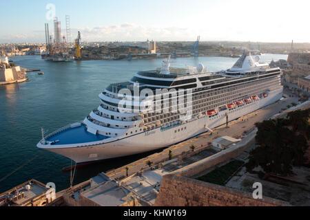 The Oceania Cruises ship MS Marina in Malta's Grand Harbour - Stock Image