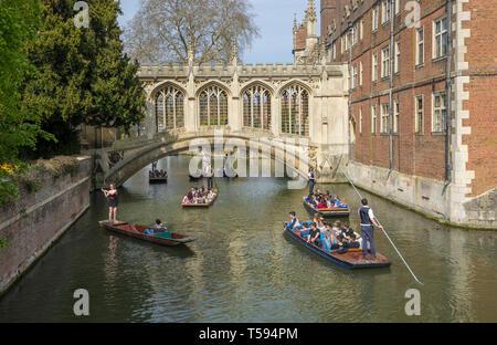 Heavy traffic of punts at Bridge of Sighs St Johns College Cambridge 2019 - Stock Image