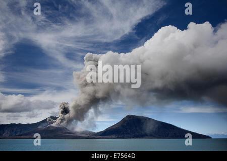 Mt Tavurvur volcanic eruption, Papua New Guinea - Stock Image
