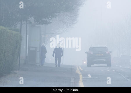 Stirlingshire, Scotland, UK - 2 December 2018: uk weather - a foggy morning in Stirling Credit: Kay Roxby/Alamy Live News - Stock Image