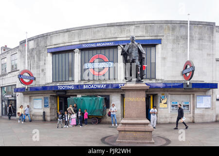 Tooting Broadway Underground Station, Tooting High Street, Tooting, London Borough of Wandsworth, Greater London, England, United Kingdom - Stock Image