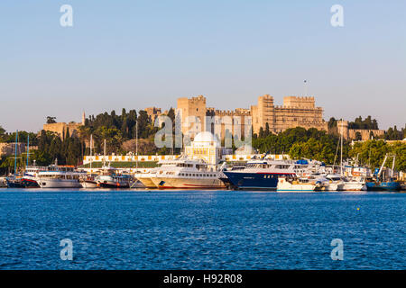 EXCURSION BOATS, MANDRAKI HARBOR, PORT, PALACE OF THE GRAND MASTER, CITY OF RHODES, RHODES ISLAND, THE AEGEAN, GREECE - Stock Image