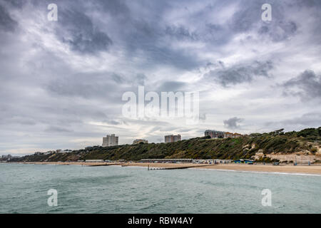 Bournemouth, Dorset, UK. 12th January 2019. Overcast weather over the beach in Bournemouth in Dorset. Credit: Thomas Faull/Alamy Live News - Stock Image