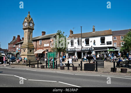 White Horse Cafe and Market Square Thirsk North Yorkshire England UK United Kingdom GB Great Britain - Stock Image