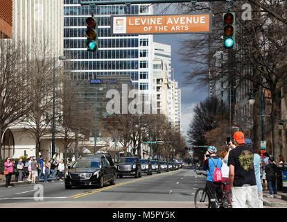 Reverend and Evangelist Billy Graham's motorcade passes through downtown Charlotte, North Carolina, bringing - Stock Image
