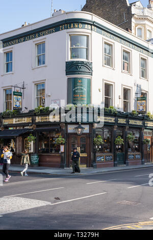 Zetland Arms public house and restaurant in Bute Street, Kensington and Chelsea, London, England, UK - Stock Image