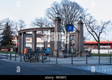 Berlin Wilmersdorf, Heidelberger Platz U3 U-Bahn underground railway station designed by architect Willy Leitgebel - Stock Image