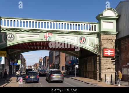 Foregate Street Railway Bridge is Grade II listed and contains the coat of arms and motto of the City of Worcester, England - Stock Image