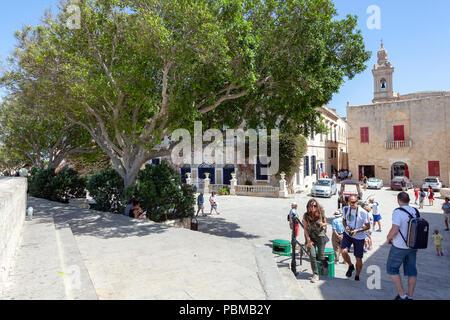 Tourists in Rabat, Malta - Stock Image