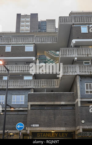 1970s architecture   social housing, council housing - Stock Image