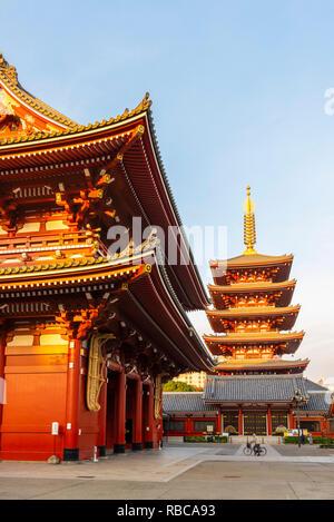 Senso-Ji temple and the Five-Storied Pagoda, Asakusa, Tokyo, Kanto region, Japan. - Stock Image