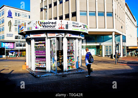 Sheffield, Vapour Kiosk, shop, cit centre, England - Stock Image