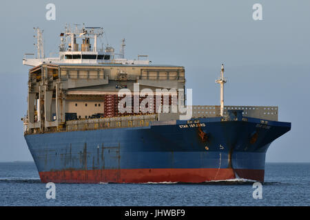 Gantry-Bulkcarrier Star Isfjord - Stock Image