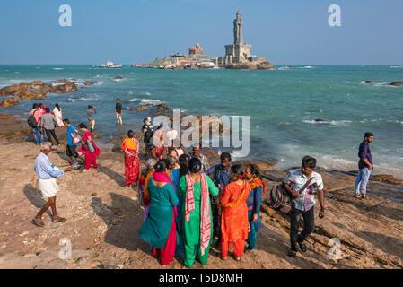 Horizontal view of the Vivekananda rock memorial and Thiruvalluvar Statue in Kanyakumari, India. - Stock Image