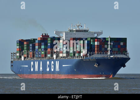CMA CGM Nevada inbound for Hamburg - Stock Image