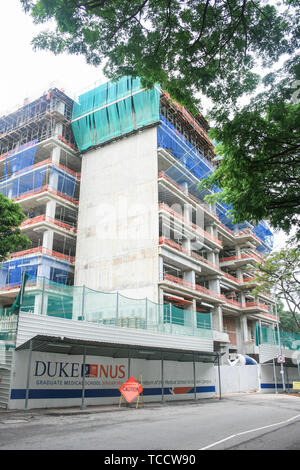 The Dukes NUS medical school building under construction in 2008, Singapore - Stock Image