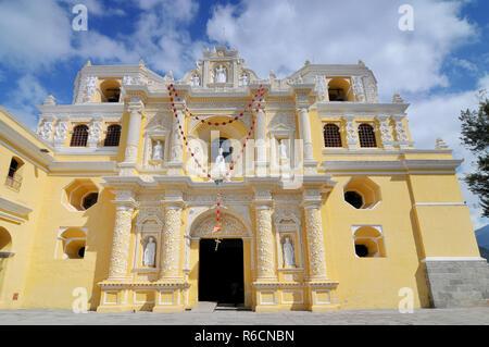 Guatemala, Antigua, La Merced Church - Stock Image