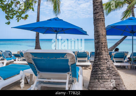 View of West Bay Roatan Honduras from the beach area. - Stock Image