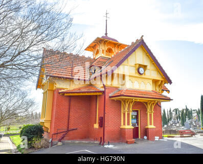 Gingerbread graveyard cafe in Ballarat, Victoria, Australia. The ornate timber and brick building provides a place - Stock Image