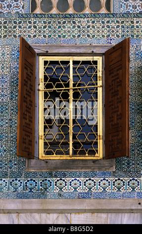 Harem window Topkapi Palace Istanbul Turkey - Stock Image