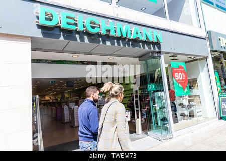 Deichmann shoe shop, Plymouth, Devon, UK, England, Deichmann shoe store, Deichmann, shoe shop, shoe store, Deichmann sign, Deichmann logo, shop, store - Stock Image