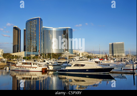 San Diego, CA, California. View of luxury yachts and ocean front hotels from Embarcadero Marina Park. - Stock Image
