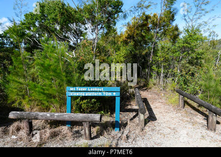 Sign for the path leading to the Mt Tozer viewing platform, Cape York Peninsula, Far North Queensland, FNQ, QLD, Australia - Stock Image