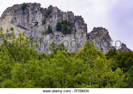 Seneca Rocks are a popular climbing area in West Virginia a half day's drive from major east coast urban centers in the US. - Stock Image