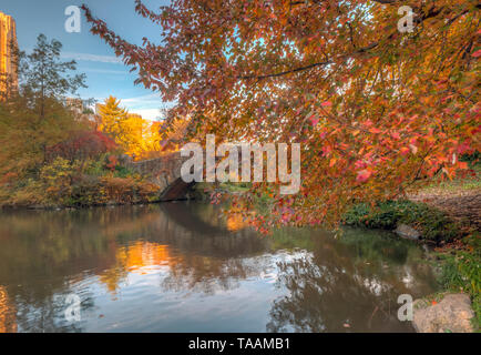 Gapstow bridge in Central Park, New York City in late autumn - Stock Image