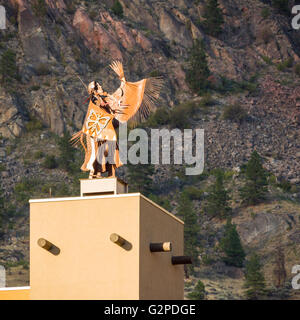 'Guardian' sculpture at Nk'mip Resort and Conference Centre, Osoyoos BC Canada. Resort showcases rich - Stock Image