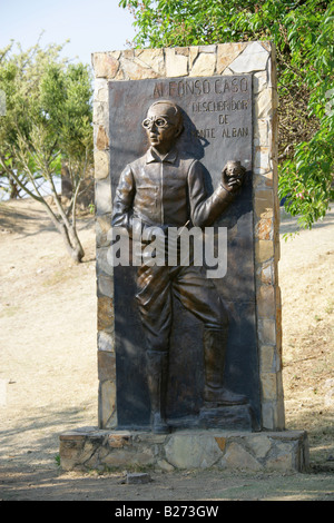 Statue of Alfonso Caso y Andrade at the Entrance to Monte Alban, near Oaxaca City, Mexico - Stock Image