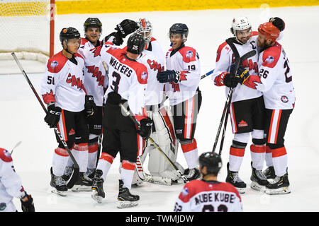 Melbourne, Victoria, Australia. 21st June 2019. 2019 Ice Hockey Classic, Canada versus USA; Canada players celebrate the win Credit: Action Plus Sports Images/Alamy Live News - Stock Image
