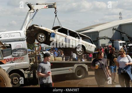 banger racing race races car cars scrap junk demolition destruction derby derbies crash crashing crashed crashes - Stock Image