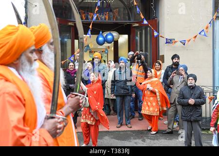 Glasgow, UK. 07th Apr, 2019.  Sikhs in Glasgow celebrating the festival of Vaisakhi (or Baisakhi) with a colourful Nagar Kirtan parade processing around the city's four Gurdwaras or Sikh temples. Credit: Kay Roxby/Alamy Live News - Stock Image