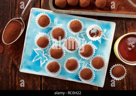 Keto_chocolate_truffles - Stock Image