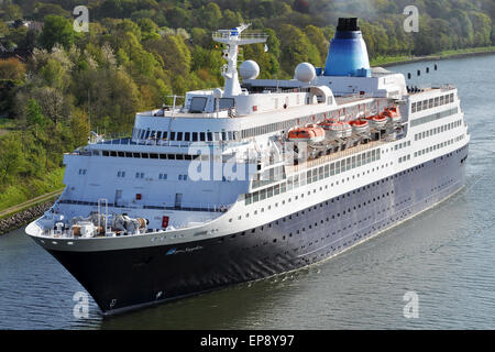 Cruiseship Saga Sapphire passing the Kiel Canal - Stock Image