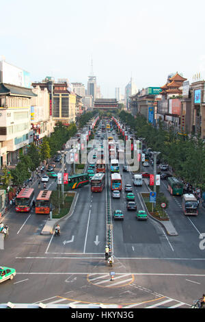 XI'AN, CHINA - JULY 7: View from the city center wall on the traffic on July 7, 2008 in Xi'an, Shaanxi, - Stock Image