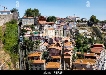 The Funicular dos Guindais railway, as seen from Luis 1 bridge, Porto, Portugal. - Stock Image