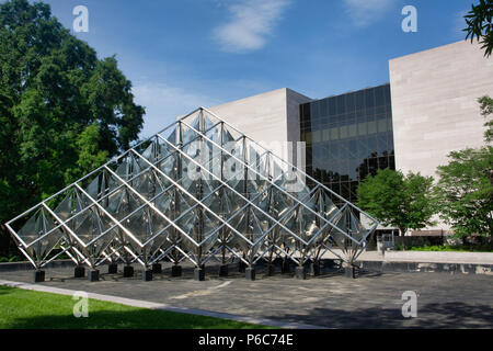 A metal sculpture outside the National Air and Space Museum in Washington, District of Columbia, USA - Stock Image