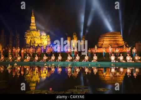 Thailand, Sukhothai, Sukhothai.  Sound and Light Show at Wat Mahathat in the Sukhothai Historical Park. - Stock Image