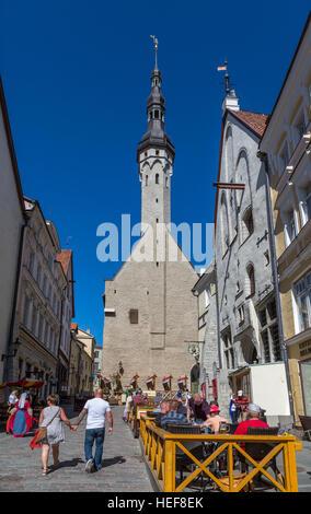 Tallinn old town, street view. Town hall - Stock Image