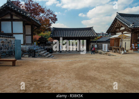 Namsangol anok Village is a traditional, old village in Seoul, South Korea. - Stock Image