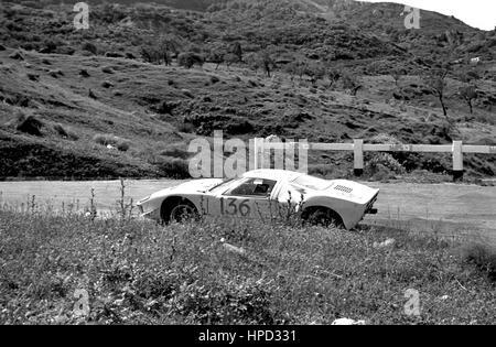 1968 Terry Drury GB Ford GT40 Targa Florio 54th - Stock Image